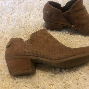 Dr. Scholl's Shoes - Dr Scholl's Brown suede Shoeties